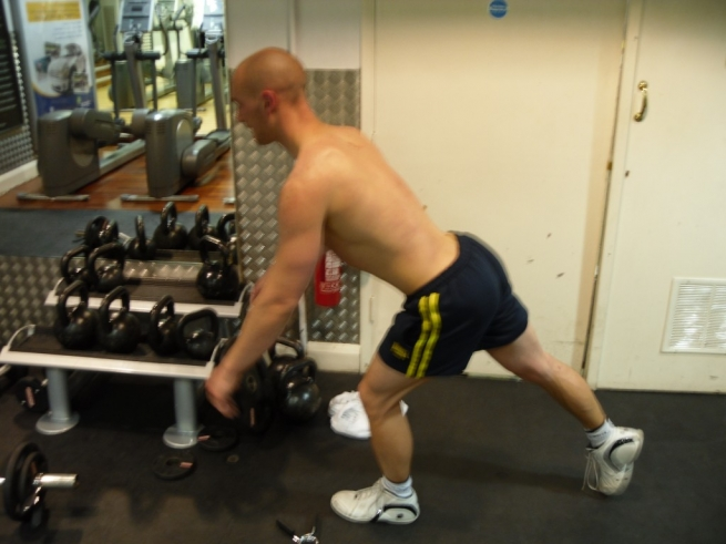 Guest Blog: Glute strengthening for knee injury prevention